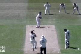 LEICESTERSHIRE V MIDDLESEX - DAY THREE MATCH ACTION