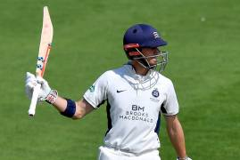 SIMPSON CAREER-BEST PUTS MIDDLESEX ON FRONT FOOT | LANCASHIRE v MIDDLESEX | DAY TWO ACTION