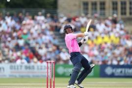 GLOUCESTERSHIRE v MIDDLESEX | MATCH ACTION