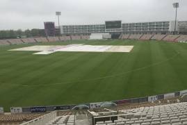 Hampshire v Middlesex: Day 2 Lunch Update