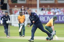 Middlesex v Notts Outlaws: Watch & Listen
