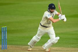 STEPHEN ESKINAZI SIGNS CONTRACT EXTENSION WITH MIDDLESEX