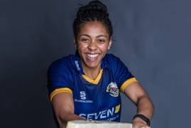 CORDELIA GRIFFITH SIGNS FOR MIDDLESEX WOMEN