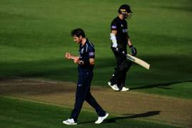 IMAGES OF MIDDLESEX BOWLING VS GLOUCESTERSHIRE