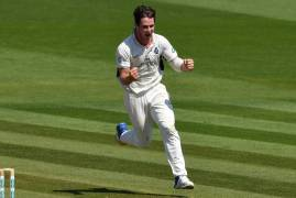 HILTON CARTWRIGHT EXTENDS STAY WITH MIDDLESEX