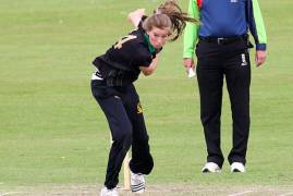 MIDDLESEX WOMEN SIGN LAUREN BELL TO BOOST T20 TITLE DEFENCE