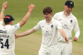 DAY TWO MATCH ACTION | LEICESTERSHIRE V MIDDLESEX