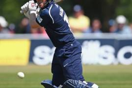 EOIN MORGAN SIDELINED AFTER CHIPPING BONE IN FINGER
