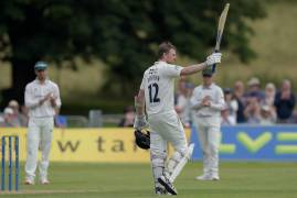 DAY ONE MATCH ACTION | MIDDLESEX V LEICESTERSHIRE