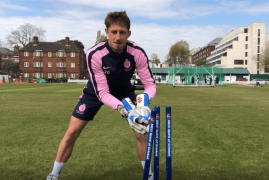 MIDDLESEX MEN'S SQUAD SHOW SUPPORT FOR #CAPTAINTOM100 CAMPAIGN
