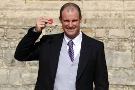ANDREW STRAUSS AWARDED KNIGHTHOOD