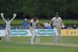 ROLAND-JONES RUNS RAMPANT WITH 7-52 | MIDDLESEX v GLOUCESTERSHIRE | DAY TWO ACTION