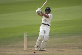 DAWID MALAN ASSESSES FIRST DAY AGAINST DURHAM