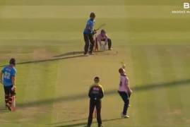 MIDDLESEX V SUSSEX SHARKS - VITALITY BLAST MATCH ACTION
