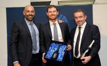 HARRIS STEALS SHOW AT MIDDLESEX'S END OF SEASON PLAYERS' AWARDS LUNCH