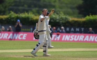 ROBSON CENTURY PUTS MIDDLESEX IN CONTROL | GLAMORGAN v MIDDLESEX | DAY THREE ACTION